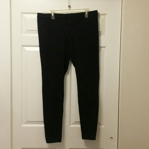 Mossimo Supply Co. Denim - Mossimo Black Mid-Rise Jegging Size 16